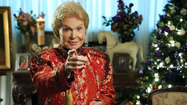 UC - Walter Mercado Pointing